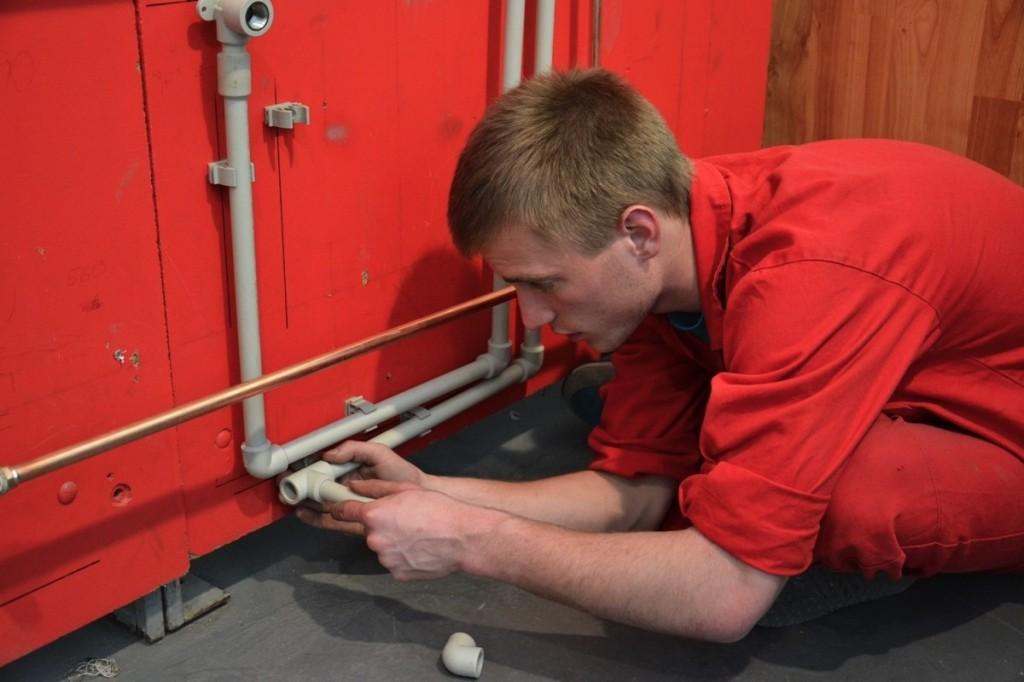 Rekvalifikační kurz montér vnitřního rozvodu vody a kanalizace foto